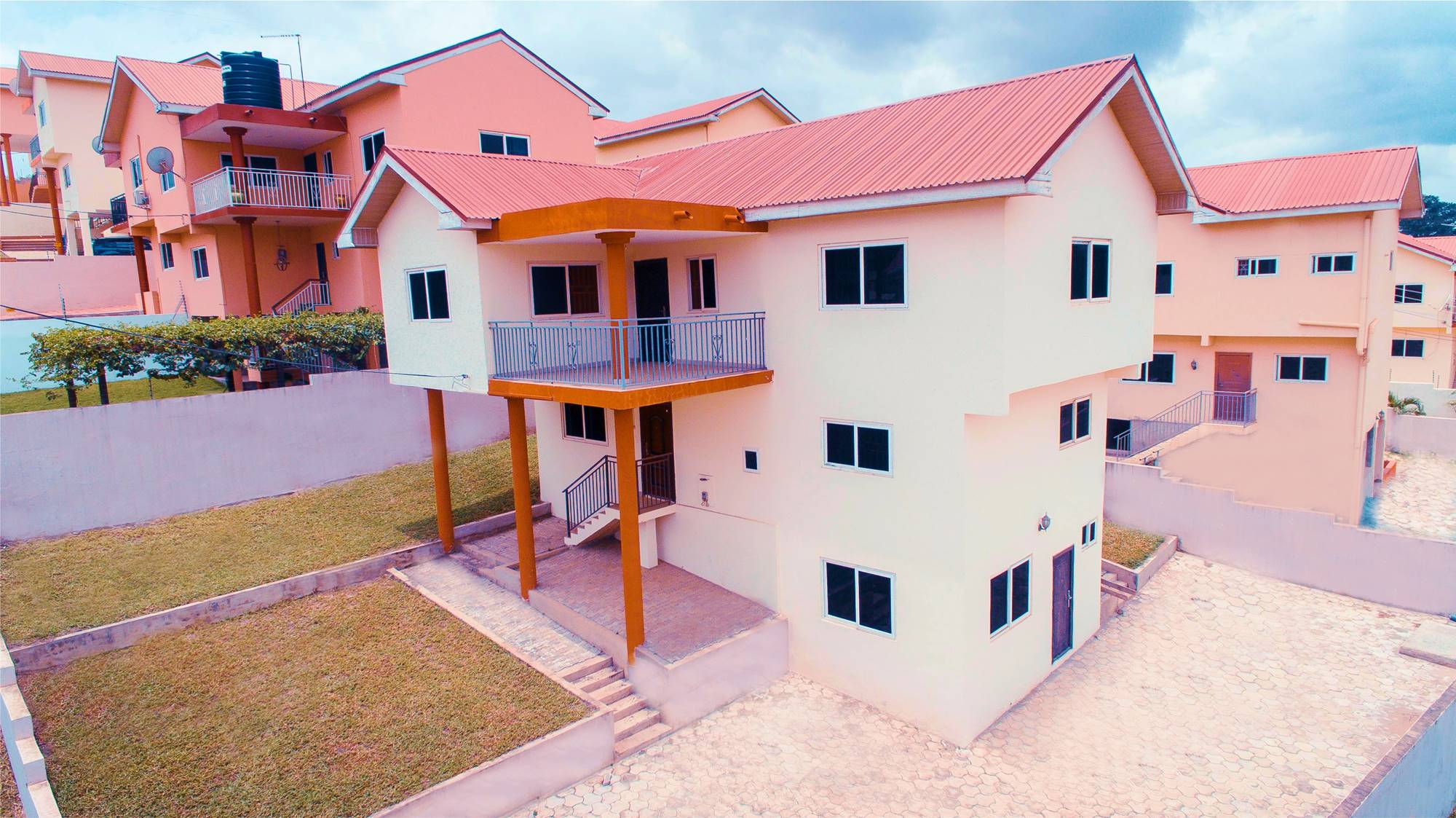 Read more about the article 3 Bedroom Storey Apartment